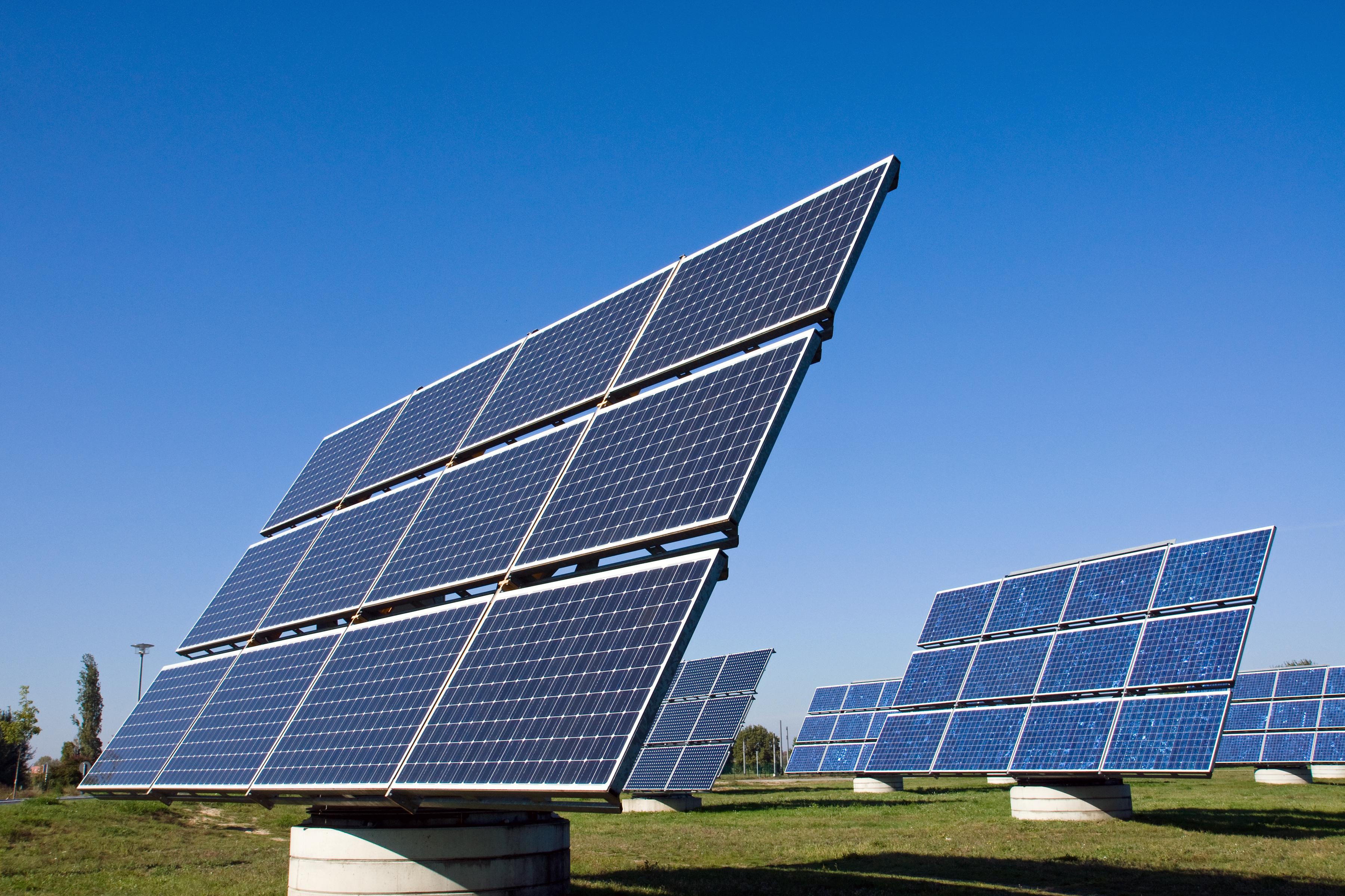 https://watt.co.uk/wp-content/uploads/2020/04/solar-energy-panels-P572XHB.jpg