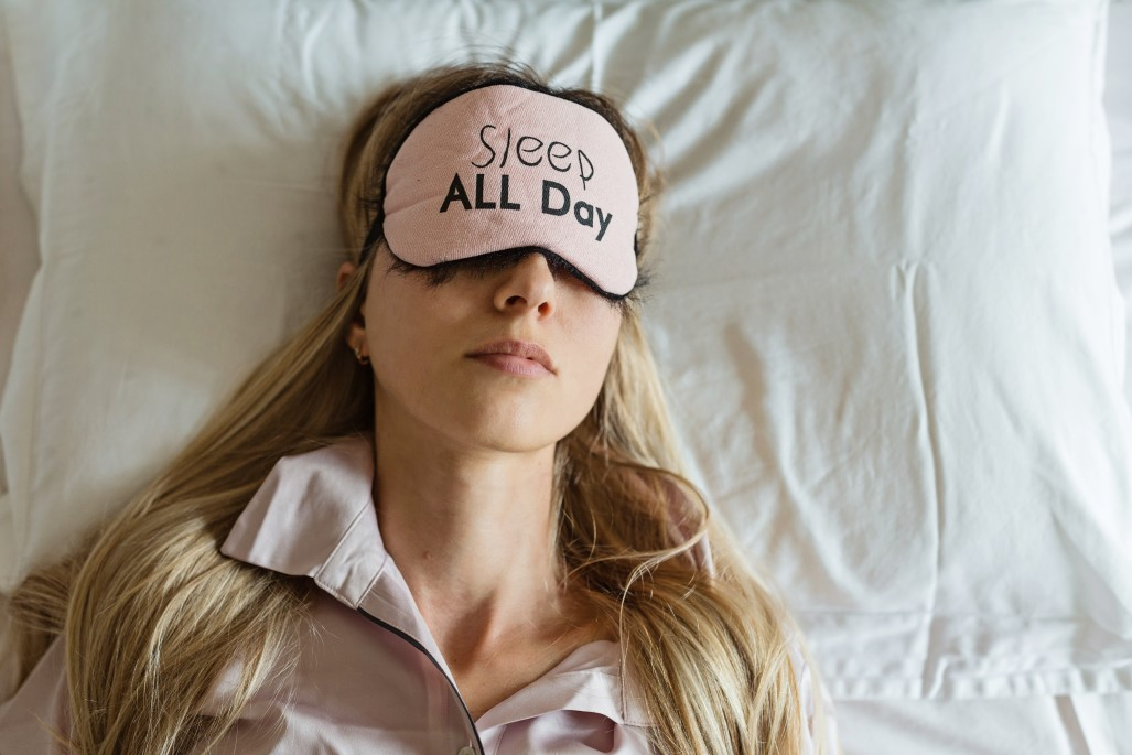 https://watt.co.uk/wp-content/uploads/2020/05/woman-person-blindfold-sleep-adult-bedroom-bed-female-relaxation-morning-sleeping-girl-indoor-mask_t20_Xvlvp3.jpg