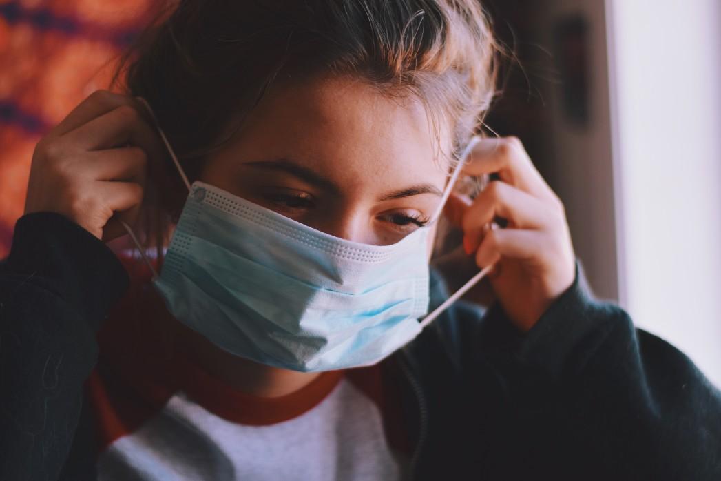 https://watt.co.uk/wp-content/uploads/2020/05/young-teenage-girl-is-putting-on-medical-face-mask-corona-virus-covid-19-self-isolation-quarantine_t20_lLwEKw.jpg