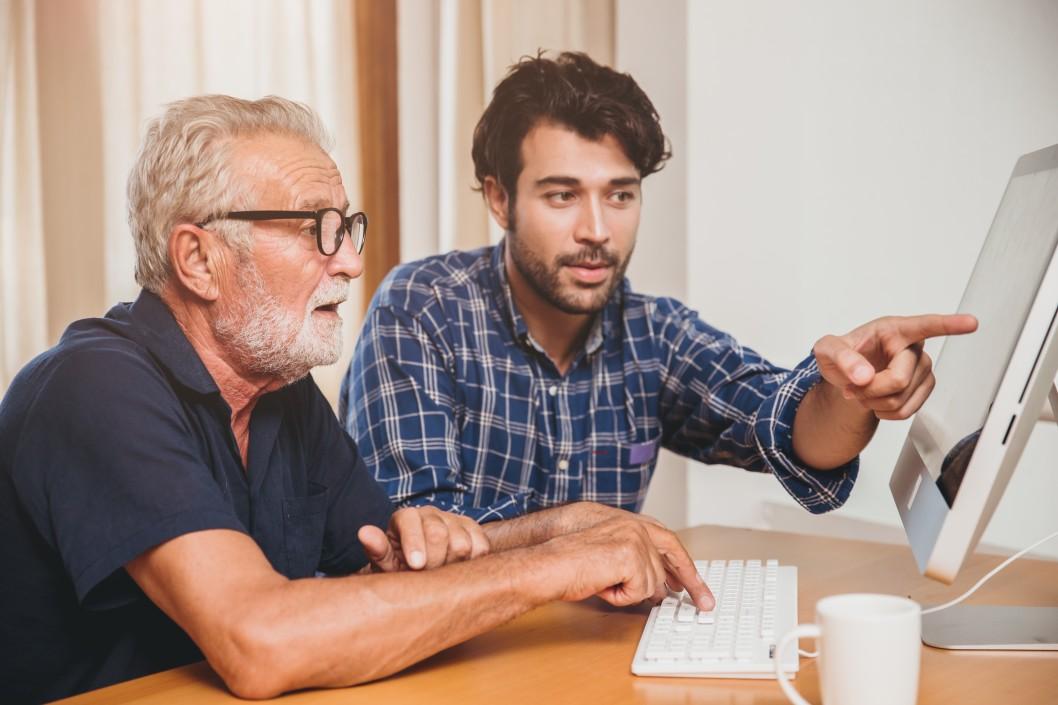 https://watt.co.uk/wp-content/uploads/2020/08/educate-workshop-learn-seniors-using-computer-family-online-training-study-keyboard-support-senior_t20_QKgvny.jpg